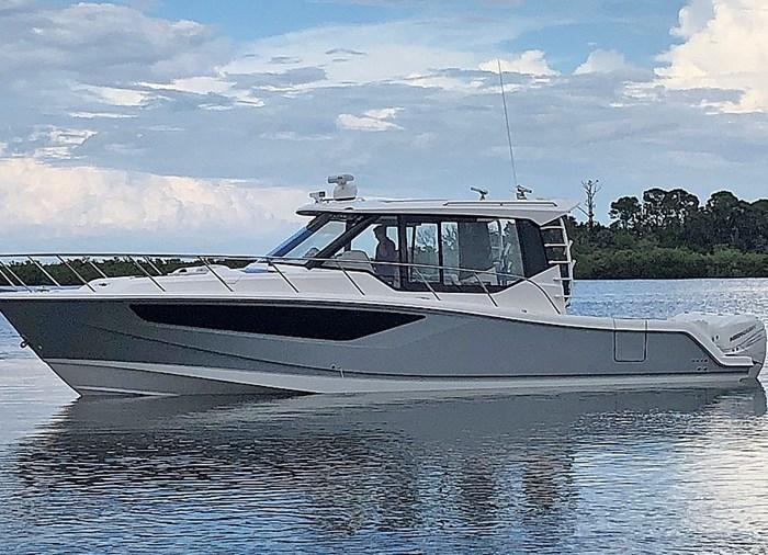 2020 Boston Whaler 405 Conquest Photo 11 sur 19