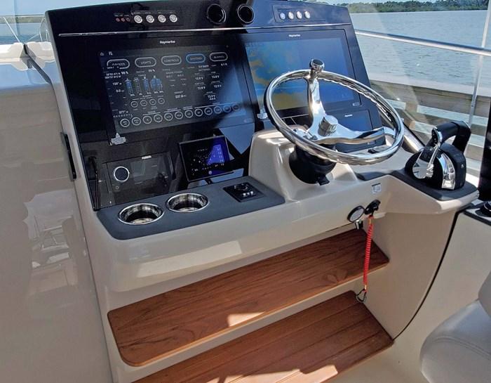 2020 Boston Whaler 405 Conquest Photo 16 sur 19
