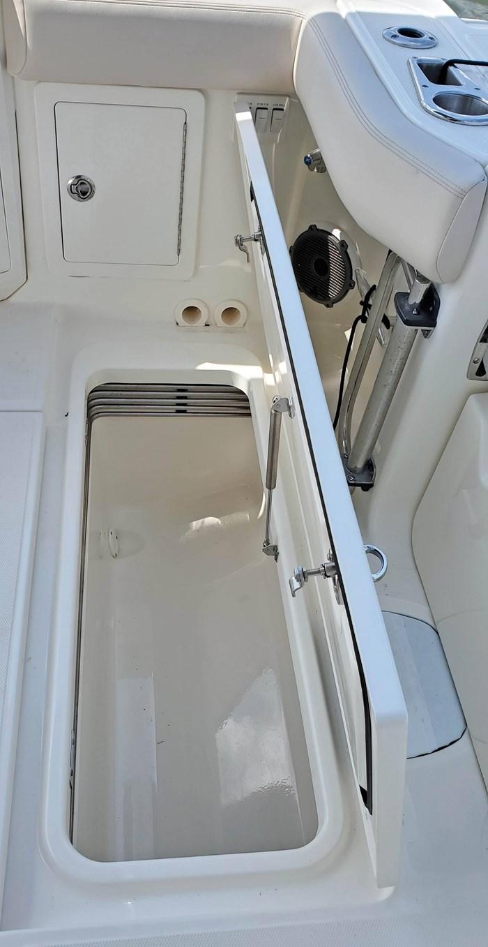 2020 Boston Whaler 405 Conquest Photo 19 sur 19