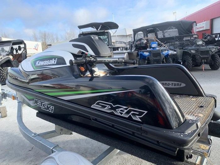 2017 Kawasaki Jet Ski® SX-R Photo 2 of 11