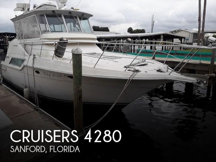 1989 Cruisers Yachts 4280 Express Bridge Photo 1 sur 20