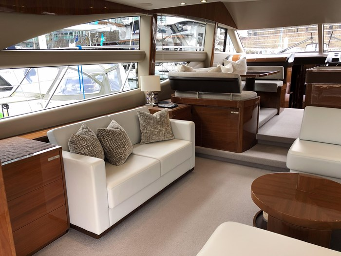 2016 Princess 56 FlyBridge Photo 8 sur 76