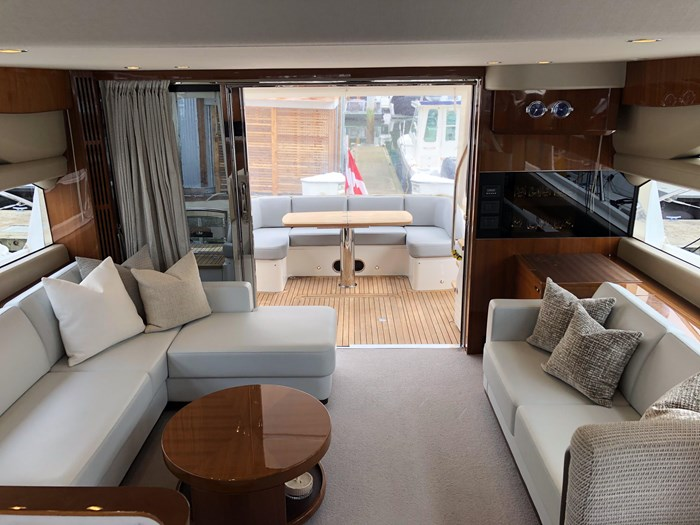 2016 Princess 56 FlyBridge Photo 9 sur 76