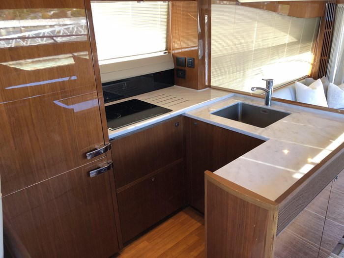 2016 Princess 56 FlyBridge Photo 19 sur 76