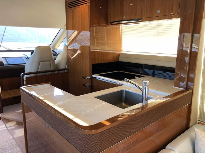 2016 Princess 56 FlyBridge Photo 22 sur 76