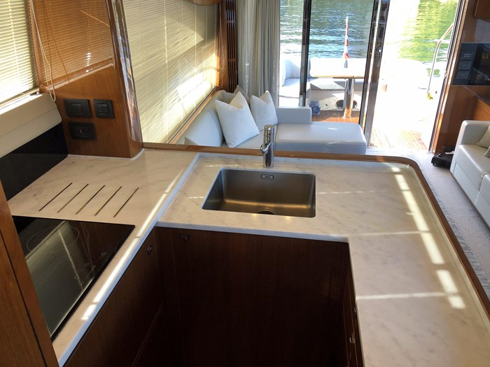 2016 Princess 56 FlyBridge Photo 24 sur 76