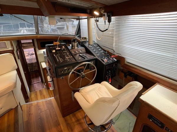 1984 Bayliner 3870 Photo 29 sur 99