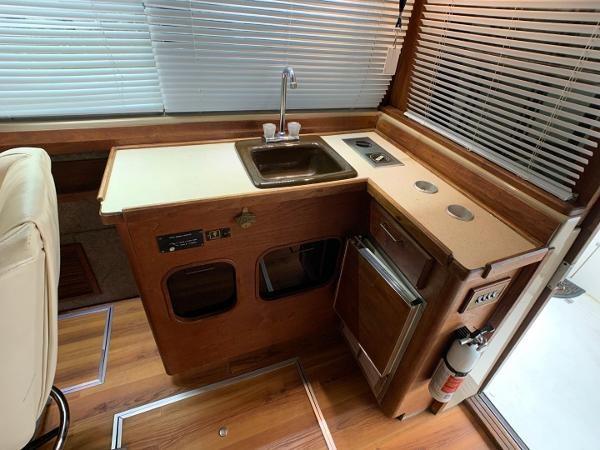 1984 Bayliner 3870 Photo 39 sur 99