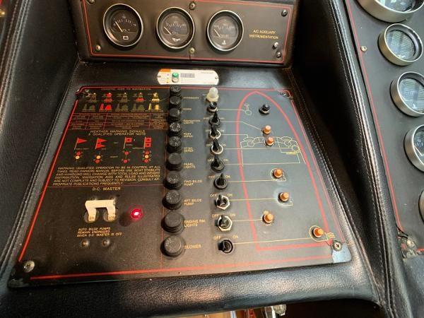1984 Bayliner 3870 Photo 44 sur 99