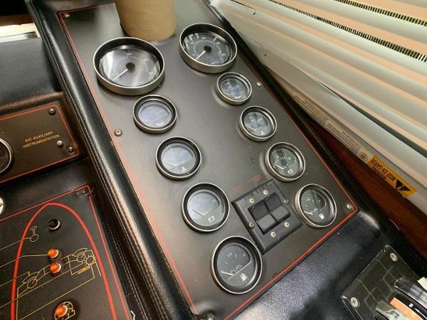 1984 Bayliner 3870 Photo 46 sur 99