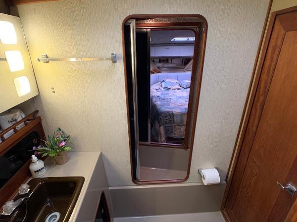 1984 Bayliner 3870 Photo 65 sur 99