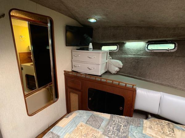 1984 Bayliner 3870 Photo 70 sur 99