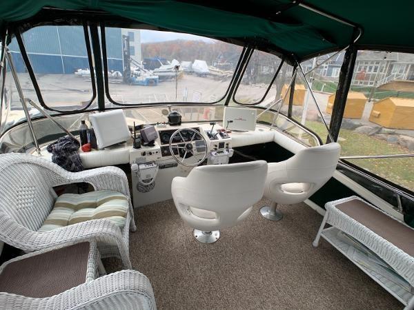 1984 Bayliner 3870 Photo 86 sur 99