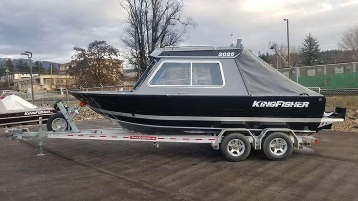 2019 KingFisher 2025 Escape HT Photo 1 of 23