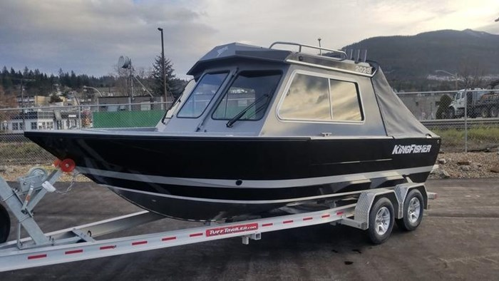 2019 KingFisher 2025 Escape HT Photo 2 of 23