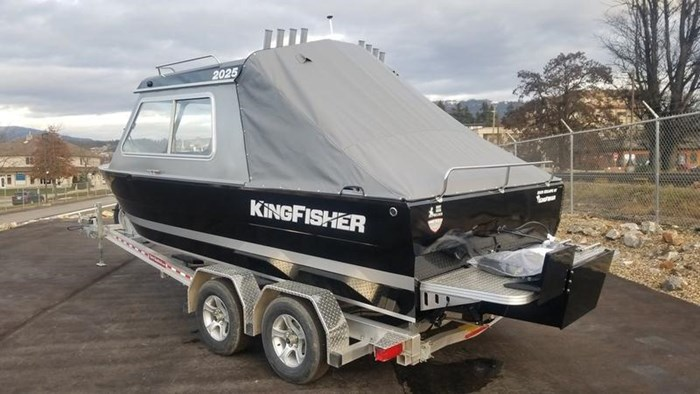 2019 KingFisher 2025 Escape HT Photo 3 of 23