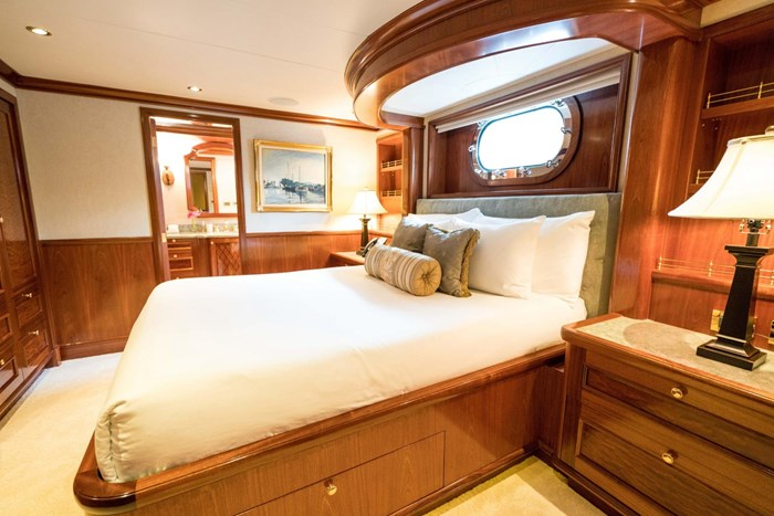 2010 Richmond Yachts Tri-Deck Motor Yacht Photo 29 of 74
