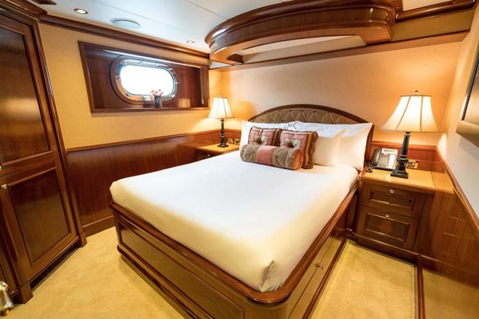 2010 Richmond Yachts Tri-Deck Motor Yacht Photo 32 of 74