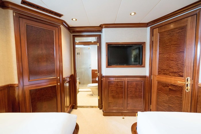 2010 Richmond Yachts Tri-Deck Motor Yacht Photo 34 of 74