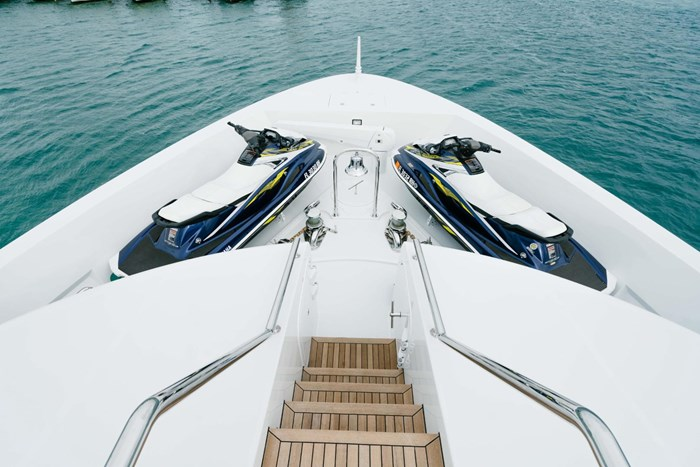 2010 Richmond Yachts Tri-Deck Motor Yacht Photo 58 of 74