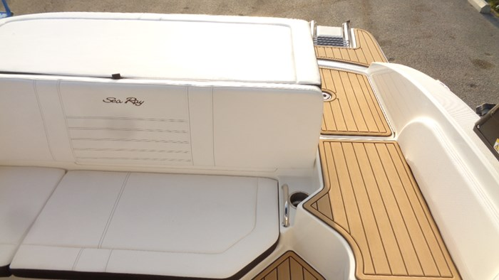 2020 Sea Ray SPX 190 Photo 25 sur 42
