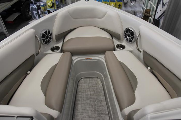 2020 Crownline 205 SS Photo 4 of 17
