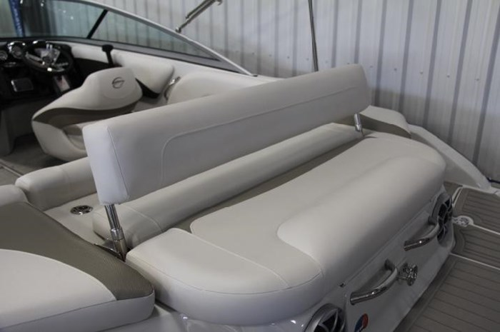 2020 Crownline 205 SS Photo 12 of 17