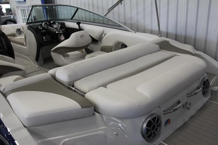 2020 Crownline 205 SS Photo 13 of 17