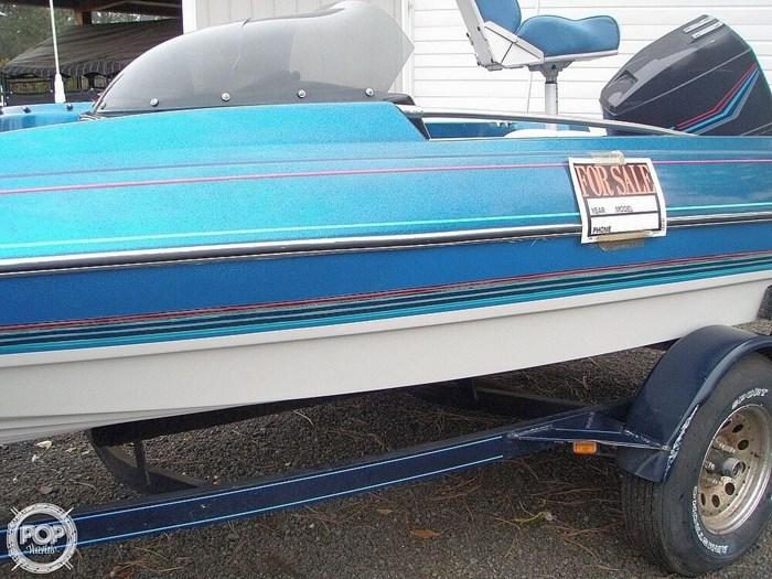 1988 Bayliner Bass Trophy 1810 Fish & Ski Photo 9 sur 20