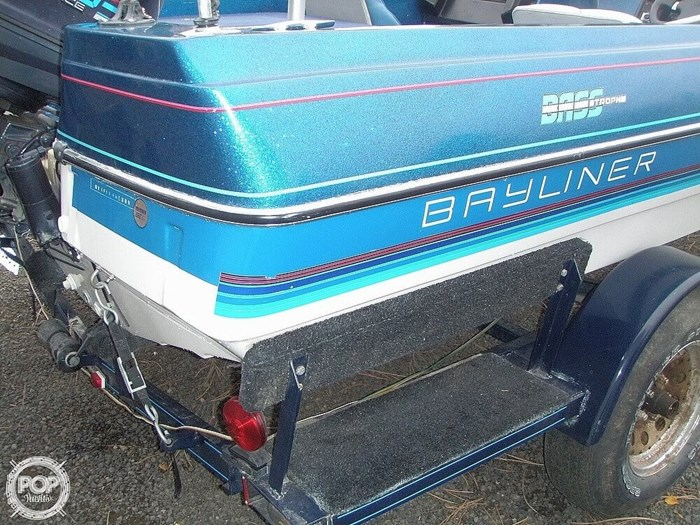 1988 Bayliner Bass Trophy 1810 Fish & Ski Photo 13 sur 20