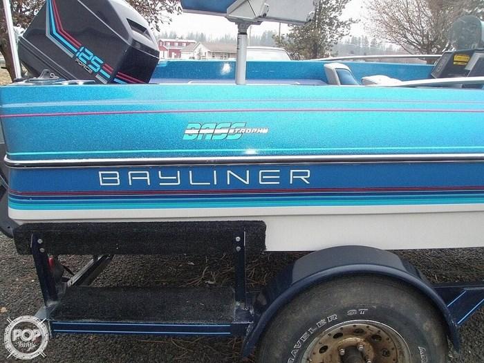 1988 Bayliner Bass Trophy 1810 Fish & Ski Photo 17 sur 20