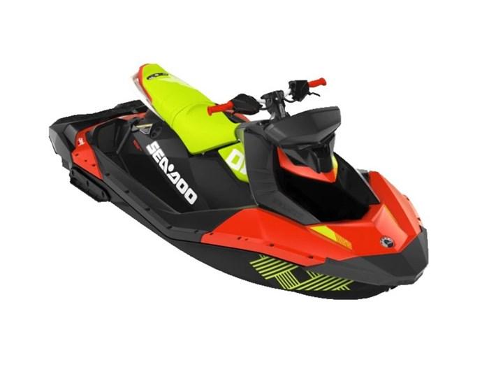 2020 Sea-Doo Spark® Trixx™ 3-up Rotax® 900 H.O. ACE™ Photo 2 sur 2
