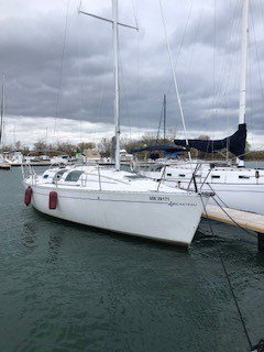 1990 Beneteau First 32s5 Photo 1 of 1