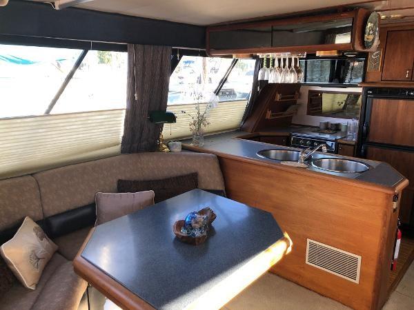 1992 Bayliner 4588 Motoryacht Photo 3 sur 20