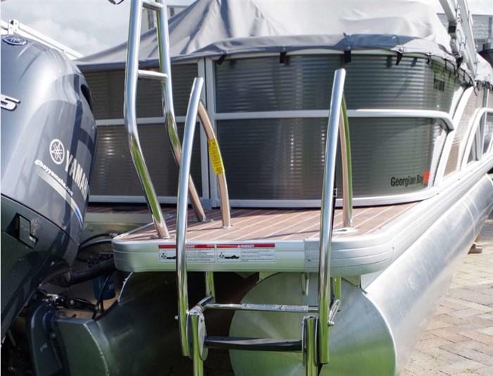 2017 Godfrey Pontoons SWPE235SR - Pontoon Boat with outboard motor Photo 6 sur 8