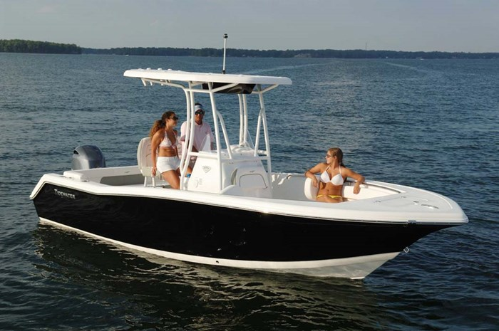 2020 Tidewater 220 LXF Photo 2 of 7