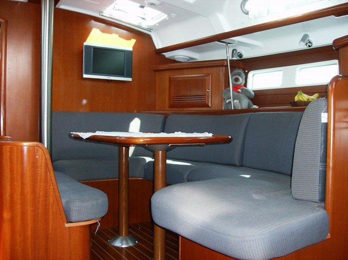 2006 Beneteau Oceanis 423 Photo 24 sur 28