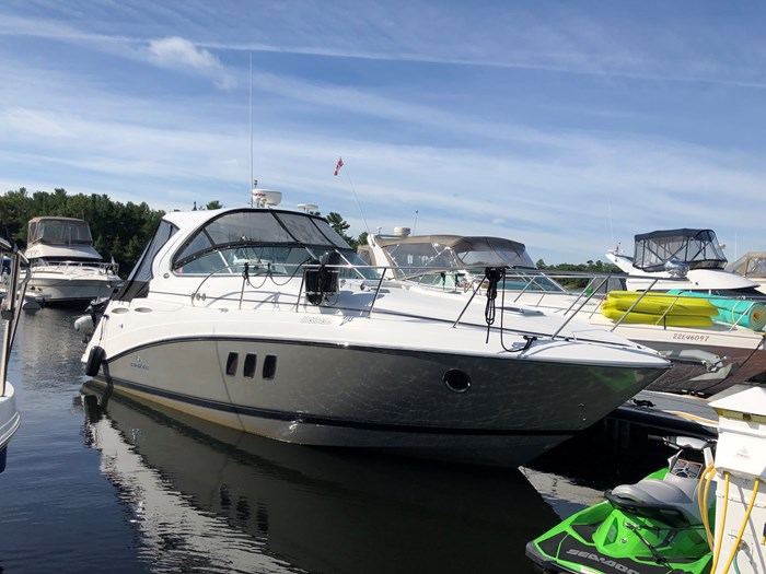 2011 Rinker 360 Express Cruiser Photo 3 of 41