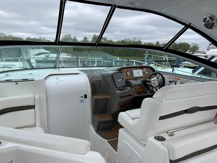 2011 Rinker 360 Express Cruiser Photo 12 of 41
