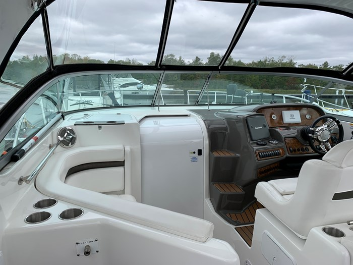 2011 Rinker 360 Express Cruiser Photo 13 of 41
