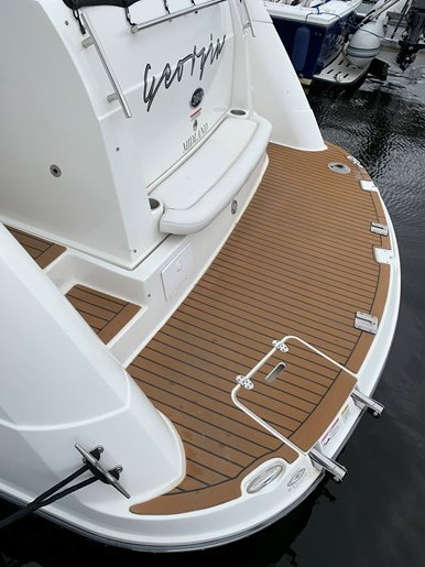 2011 Rinker 360 Express Cruiser Photo 21 of 41