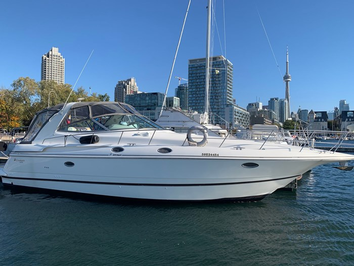 1999 Cruisers Yachts 3870 Express Photo 1 sur 16