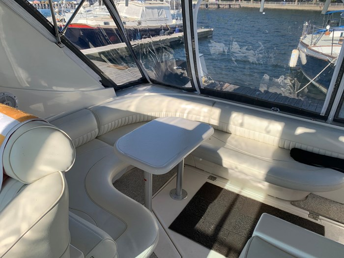 1999 Cruisers Yachts 3870 Express Photo 11 sur 16
