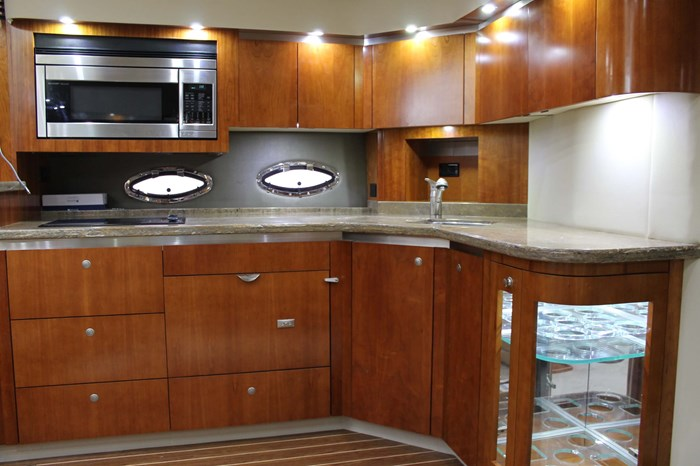 2008 Cruisers Yachts 520 Express Photo 8 sur 38
