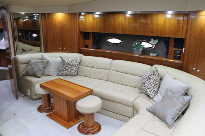 2008 Cruisers Yachts 520 Express Photo 9 sur 38