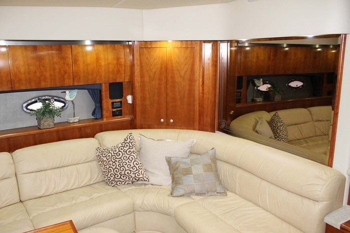 2008 Cruisers Yachts 520 Express Photo 15 sur 38