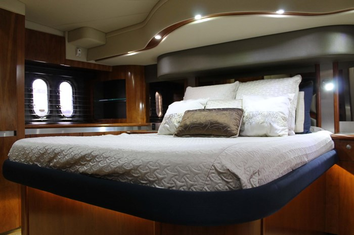 2008 Cruisers Yachts 520 Express Photo 17 sur 38