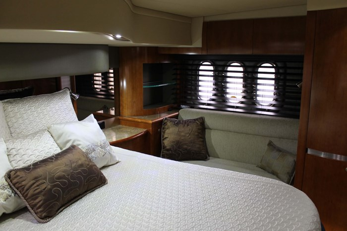 2008 Cruisers Yachts 520 Express Photo 20 sur 38