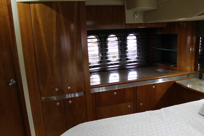2008 Cruisers Yachts 520 Express Photo 21 sur 38