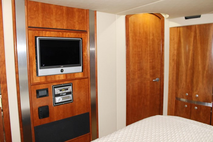 2008 Cruisers Yachts 520 Express Photo 22 sur 38